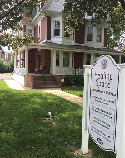 Healing Space Wellness building and sign